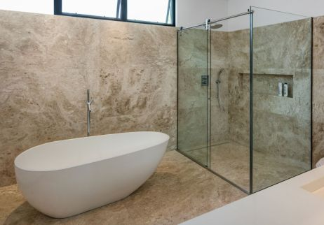 Brazil-Guaica-Residence-freestanding-tub