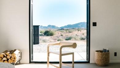Photo of Nyaraló a kaliforniai sivatagi táj közepén, mely teljes berendezése online megvásárolható