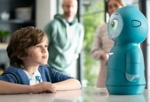 Photo of A Moxie egy intelligens robot barát, aki élet-leckéket ad gyerekeknek -VIDEÓ
