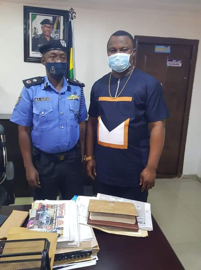 Hon. Nze Chukwuma Okoye paid a Courtesy visit to Anambra state new CP