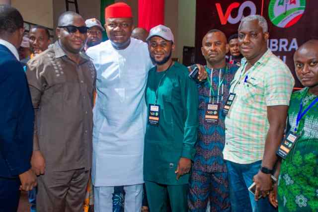 Valentine Ozigbo Rounds Up 3-Day Meeting With Party Stakeholders, Meets Ward Youth Leaders