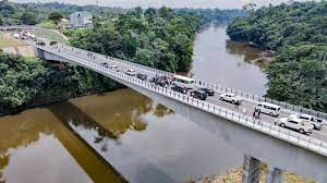 Fashola Inspects Newly Constructed Bridge on Border Between Nigeria and Cameroon
