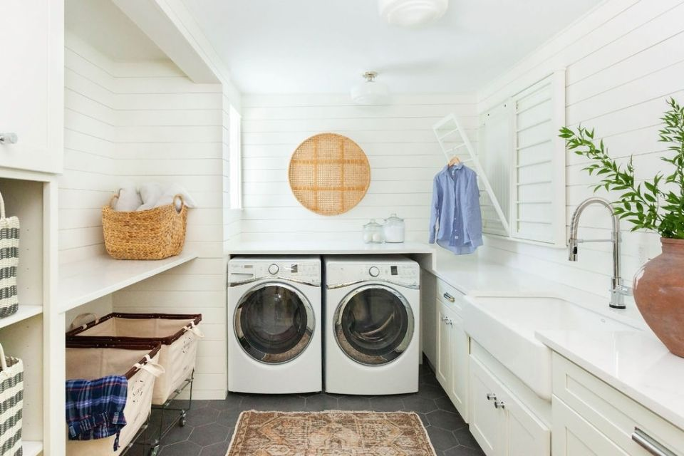 english hill east laundry room