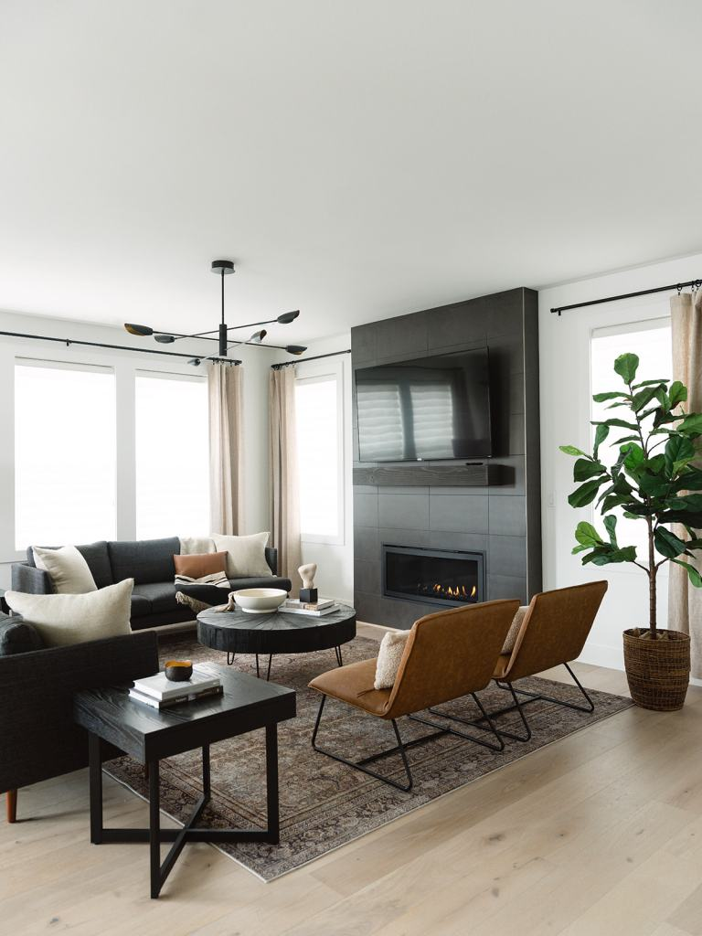 Trailside at Meadowdale Beach - the Trailside NW Modern Living Room