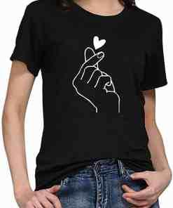 T-Shirt Style™ BTS noir porté fille