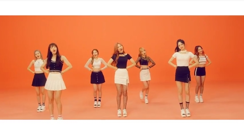 Girl Grup Rookie Hash Tag Imut di MV Debut 'Hue'