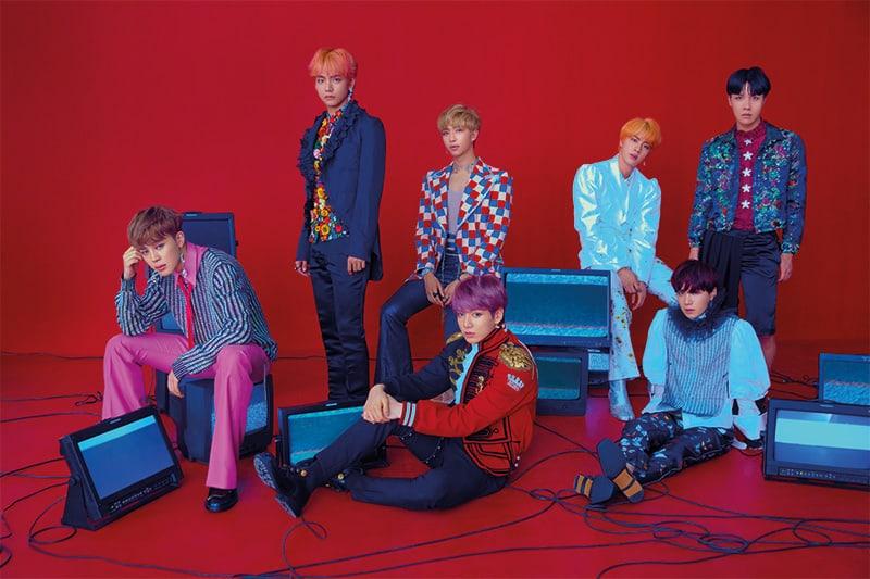 """فرقة BTS تشارك صورًا في غاية الجاذبية وبأسلوبٍ غريب لمفهوم العودة القادمة مع """"Love Yourself: Answer""""!"""