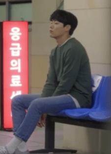 lucky_romance_ryoo_joon_yeol_denim_02