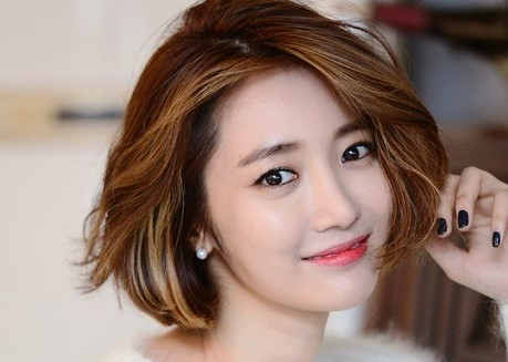Korean Actress Go Jun Hee's currently trending short haircut
