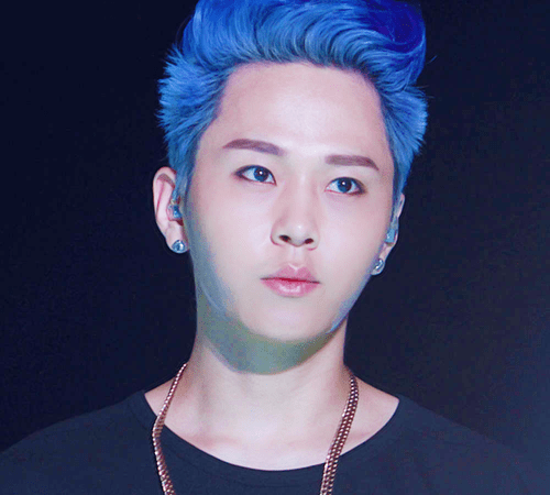 korean kpop idol boy group band beast b2st junhyung blue jack frost dyed hair hairstyles for guys kpopstuff