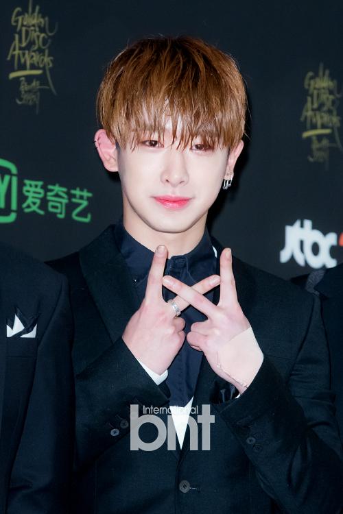 korean idol boy group kpop monsta x shownu wet hair trend hairstyles for guys kpopstuff