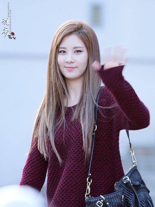 korean kpop girl group snsd girls generation tts seohyun sleek straight hair hairstyles for girls women kpopstuff