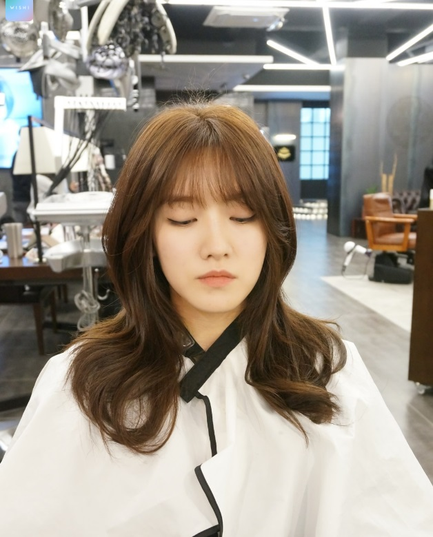 WAVY-LAYERED CUT - Kpop Korean Hair and Style