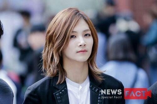 korea korean kpop idol boy band group seventeen jeonghan long hair hairstyles for guys kpopstuff
