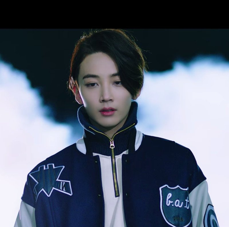 korea korean kpop idol boy band group seventeen jeonghan's envied hair short haircut style boomboom for guys kpopstuff