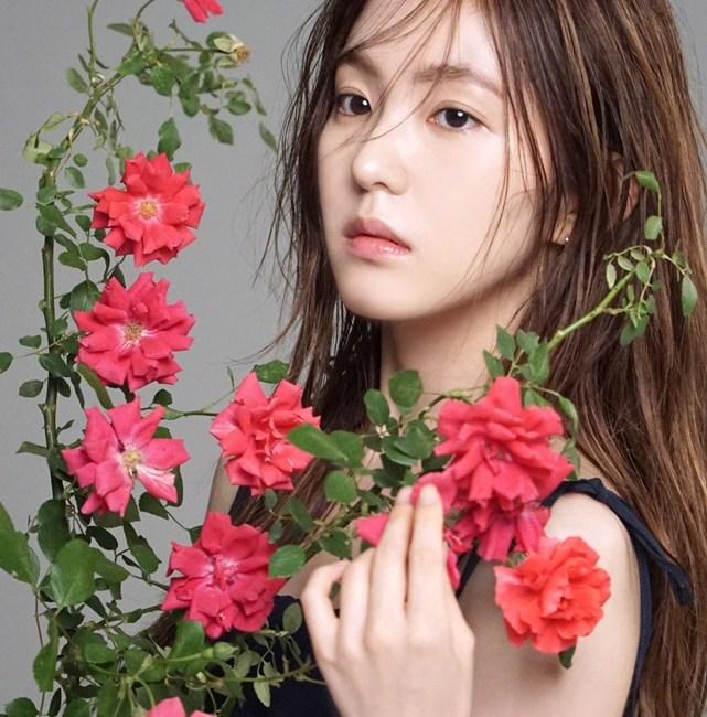 korea korean kpop idol girl group band red velvet irene's two-tone hair pink hair color hairstyles for gilrls kpopstuff photoshoot main