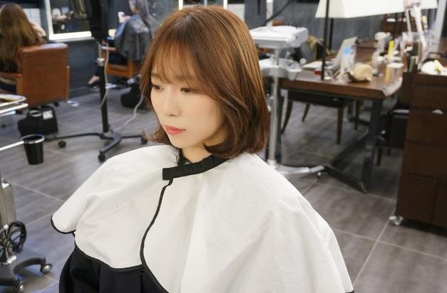 korea korean trending hot hairstyle haircut for girls women short hair c-curl perm see through bangs hairstyle kpopstuff left profile