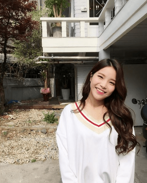 Mamamoo Solar Permed Wavy Hairstyle Archives Kpop Korean