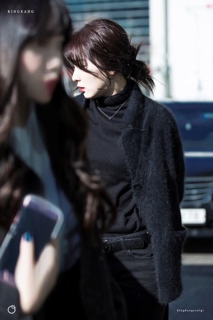 korea korean kpop idol girl group band red velvet seulgi's messy updo easy updos bun hairstyles curly wavy hair for girls kpopstuff messy bun