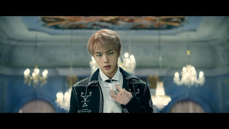 korea korean kpop idol boy band group BTS blood, sweat, tears printed suits jin white patterend jacket suit english formal style outfit for guys kpopstuff