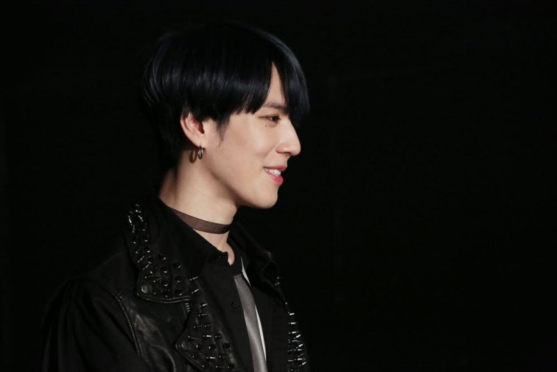 korea korean kpop idol boy band group got7 yugyeom's never ever hair black colored dyed natural hairstyles for guys kpopstuff