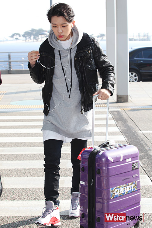 korea korean kpop idol boy band group ikon fashion favorites bobby sporty streetwear casual outfit style airport looks for guys kpopstuff