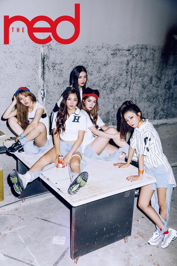 korea korean kpop idol girl group band red velvet's jeans from dumb dumb destroyed ripped denim boyfriend jeans fashion outfit looks for girls kpopstuff