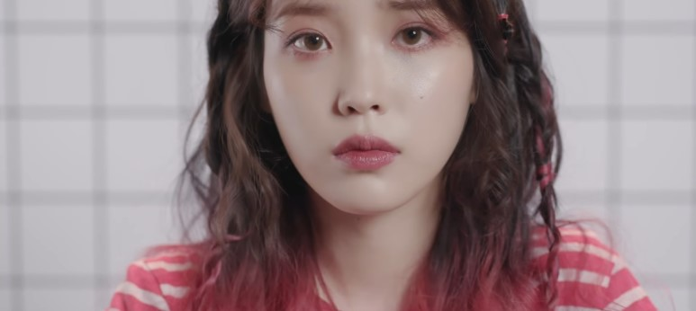 korea korean drama kdrama actress kpop idol singer iu's palette hairstyles two tone hair dye color braided hair looks girls women kpopstuff