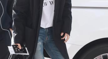 korea korean kpop idol boy band group exo baekhyun's airport fashion t shirt denim jeans long coat belt outfits casual style guys men kpopstuff