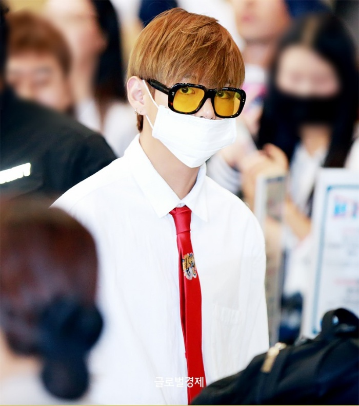 korea korean kpop idol boy band group BTS airport looks bangtan boys v taehyung red tie white shirt fashion guys men kpopstuff