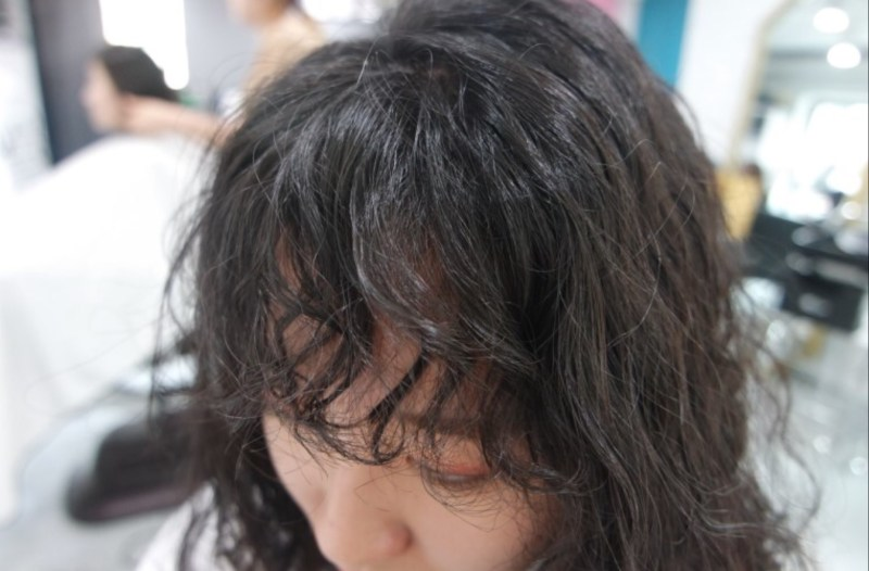Koreanwomenshairstylepoodlebangspermedbangskoreanhairstyletrend