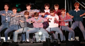korea korean kpop idol boy band group wanna one's plaid fashion kang daniel jihoon seungwoo 2017 gangnam festival outfits guys men kpopstuff