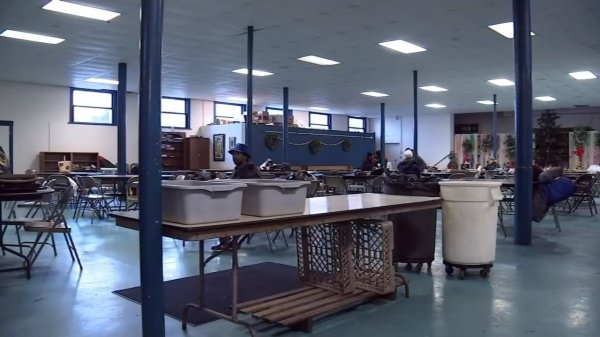 Area warming shelters to open Sunday night - KPTV - FOX 12
