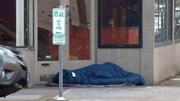 Warming shelters open as temperatures plummet in metro ...