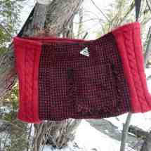 purse with button red black 16.37a