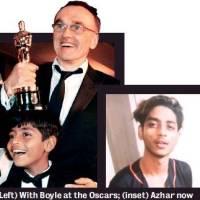 Slumdog Millionaire  star back in slums