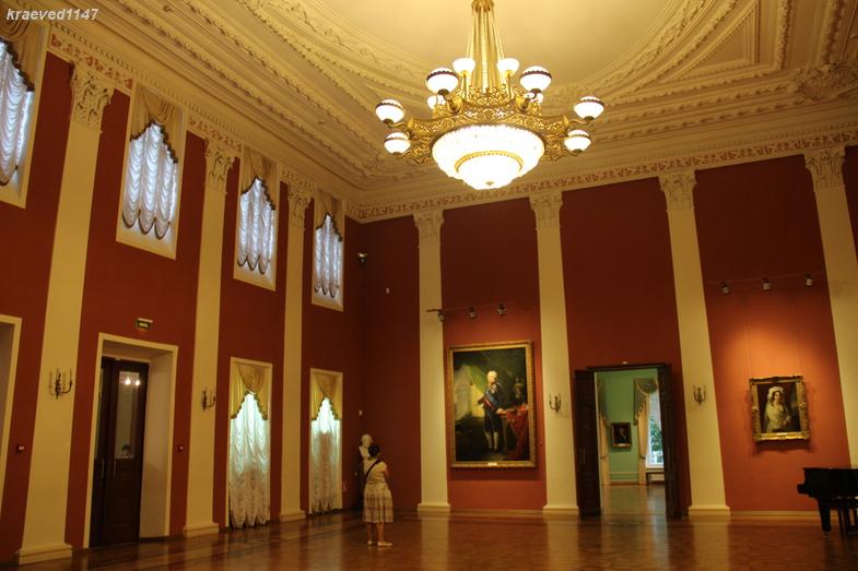 Интерьер дворца ярославского губернатора . Ярославский художественный музей