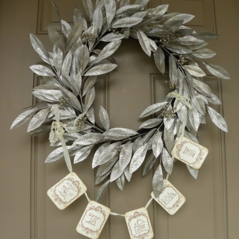 """I bought this garland from """"Seasonal Delights"""" shop on Etsy. She does amazing work."""