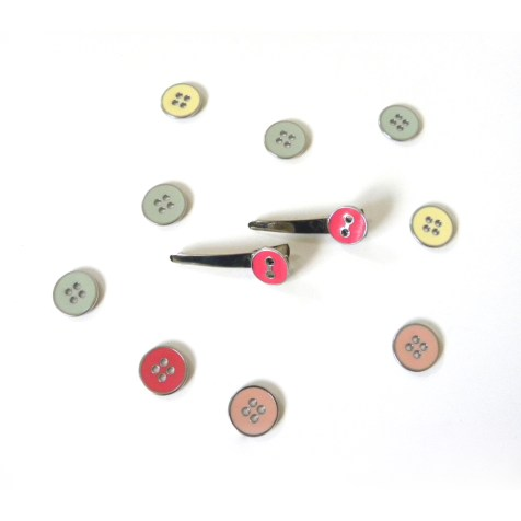 Glue buttons to hair pins. Read instructions #2