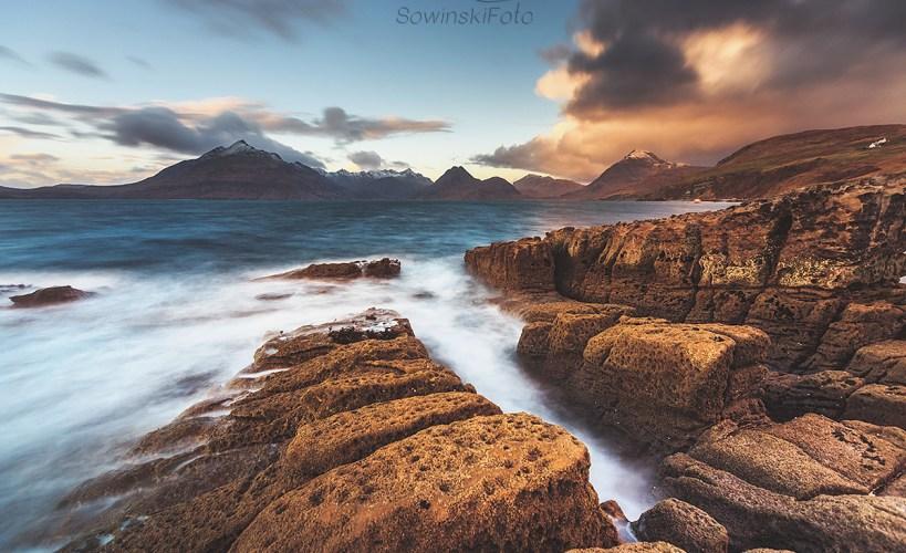 Góry i morze krajobraz Szkocji