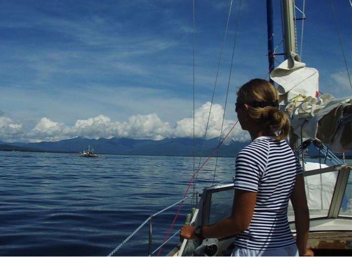 Nedočkavě vyhlížíme známky po vjezdu do laguny, kde se nachází Puerto Princessa