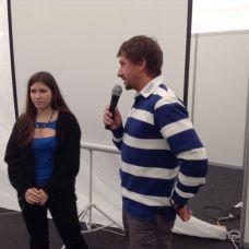 David Křížek a redaktorka Teraza křtí knihu Velká kniha umění jachtingu.