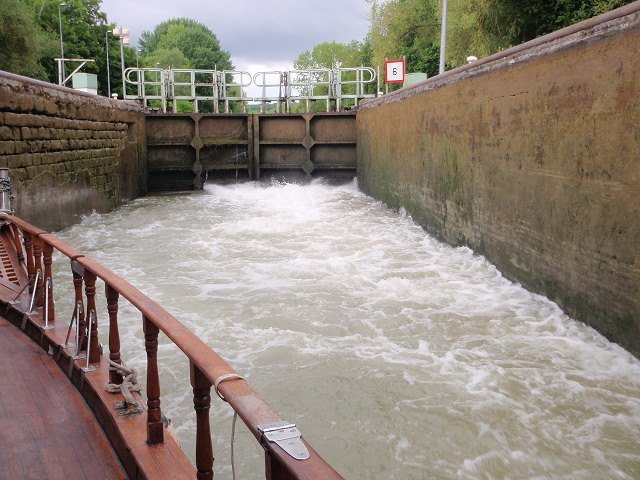 Plavba po kanále Canal Laterar a la Marne- komora.