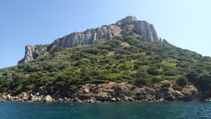 Krásný pohled na ostrov, u kterého jsme kotvili.