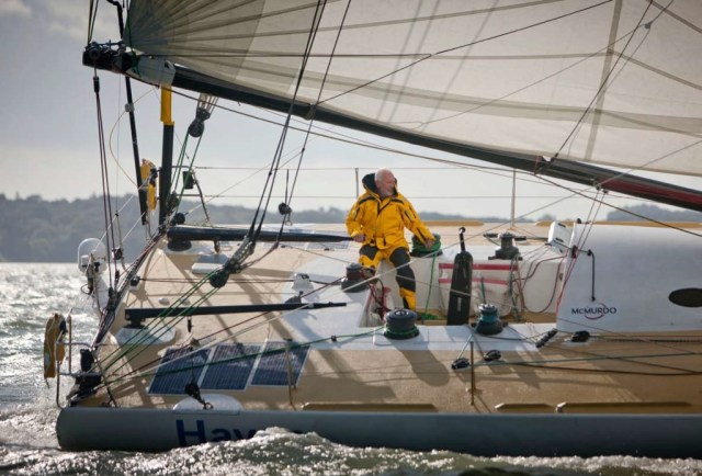 Jachting je možné provozovat do vysokého věku. Robin Knox - Johnston má stále chuť pokračovat.