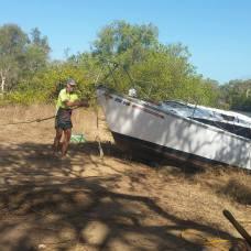 Vytahování lodě na břeh