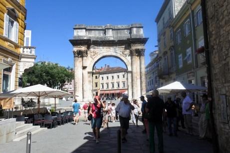 Antická Zlatá brána