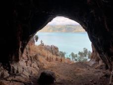 Pohled z Jeskyně na kotviště Petala