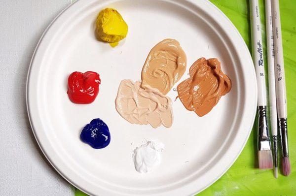 Vernici per la creazione di colori corporali