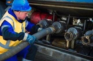 Цену топлива зафиксировали на майском уровне